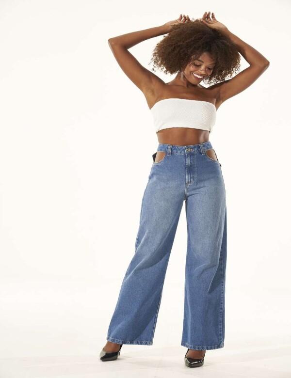 CALÇA WIDE LEG COM VAZADO NA CINTURA - Jeans