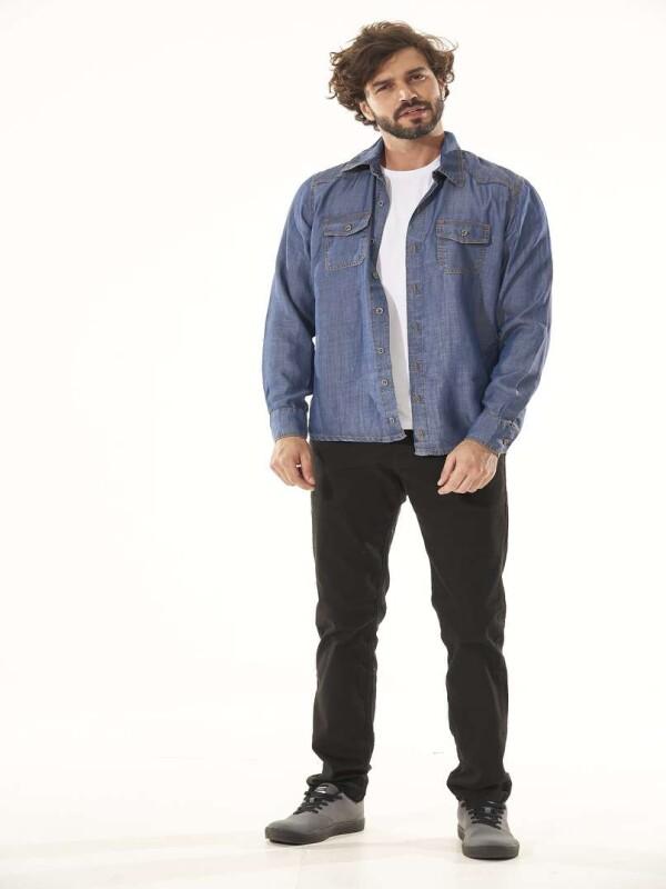 CAMISETA MASCULINA BOLSOS FRONTAIS - Jeans
